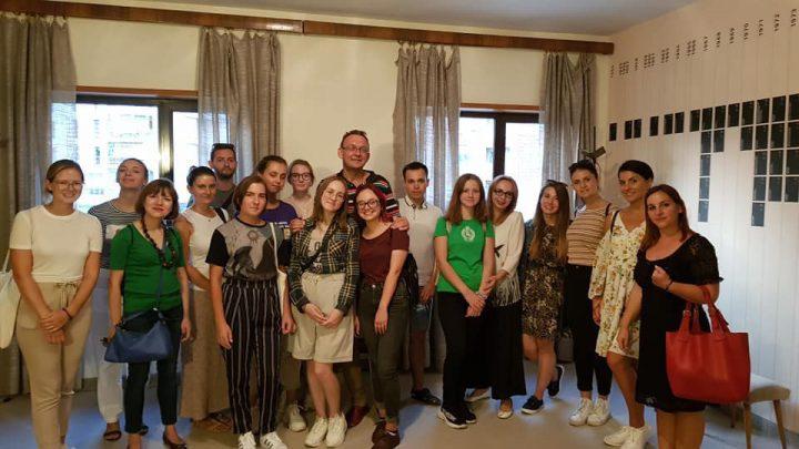Vizitë nga studentë të huaj